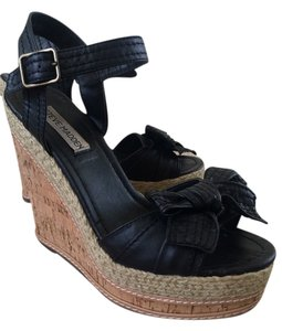 Steve Madden Black/Tan Wedges