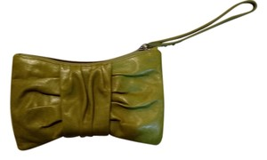 Hobo International Wristlet in Leaf vintage