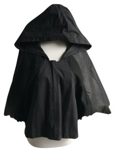 gar-de Leather Hooded Cape