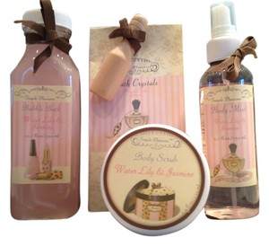 Simple Pleasures Water Lily and Jasmine Bath Collection by Simple Pleasures - [ Roxanne Anjou Closet ]
