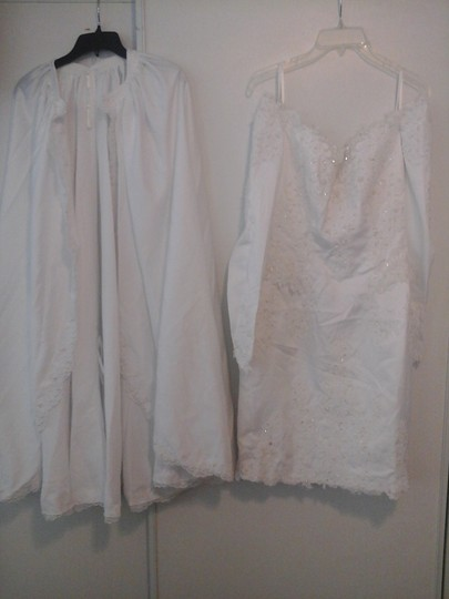Sweetheart Clothing White with Pearls 1234 Wedding Dress Size 10 (M)
