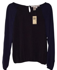 Max Studio Top Black/Navy Sleeves