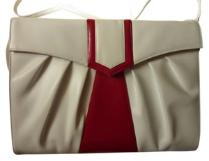White/red Clutch
