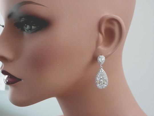 Clear Cubic Zirconia Teardrop Sparkly White Crystal Earrings