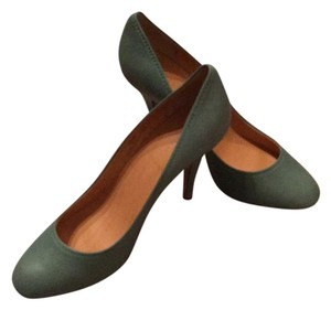 18f723fd9520 Women's J.Crew Shoes - Up to 90% off at Tradesy
