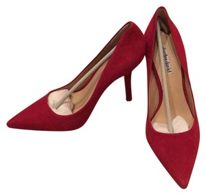 Charles David Ruby suede Pumps