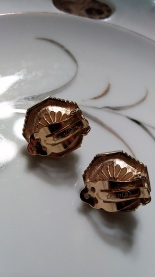 Other Ciner Faux Pearl & Rhinestone Clip On Earrings Image 1