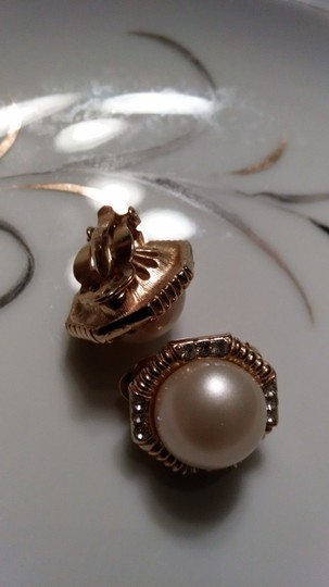 Other Ciner Faux Pearl & Rhinestone Clip On Earrings Image 2