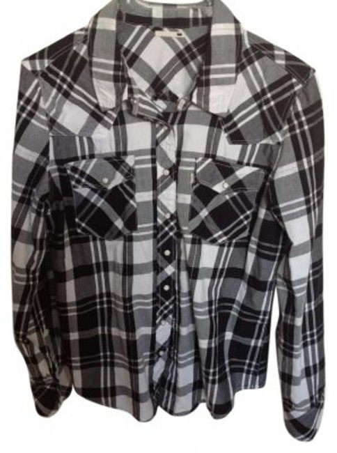 Preload https://item3.tradesy.com/images/levi-s-button-down-top-size-12-l-134632-0-0.jpg?width=400&height=650