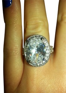 9.2.5 stunning giant oval white topaz royal cocktail ring. size 7.
