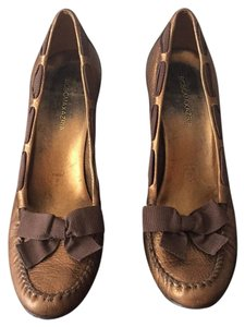 BCBGMAXAZRIA Bronze/brown Pumps