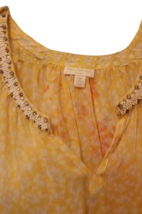 Adrienne Vittadini Top pale yellow print