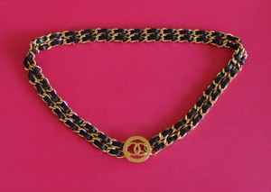 Chanel Gold-tone Chanel black leather woven CC logo waist belt S sz