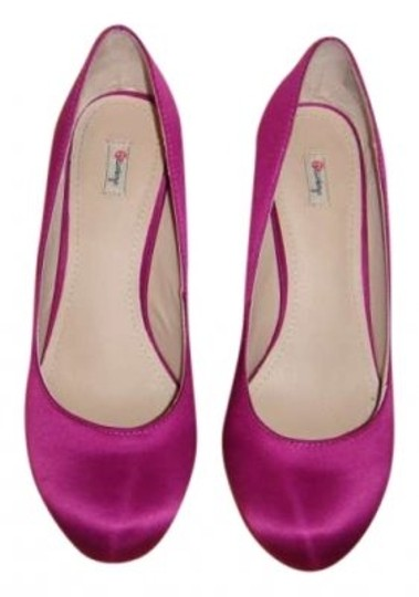 Preload https://item1.tradesy.com/images/olsenboye-fuchsia-satin-name-style-opresley-description-pumps-size-us-8-134710-0-0.jpg?width=440&height=440