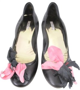 Miu Miu Black/Fuschia Pumps