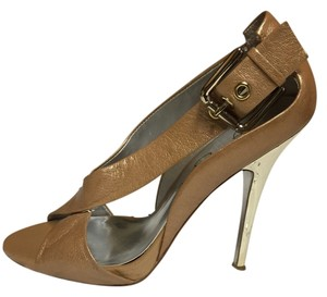 Jessica Simpson Taupe and Gold Pumps