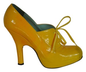 Vivienne Westwood Patent Leather Hidden Platform Size 39 Yellow Pumps