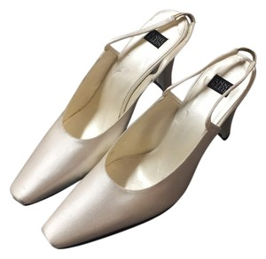 Anne Klein Pumps