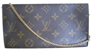 Louis Vuitton Louis Vuitton Pochette Cosmetic Makeup Accessary Cell Phone Iphone Handbag Clutch With Removable Chain From Large Bucket Bag