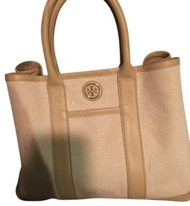 Tory Burch Tote in Cream/tan