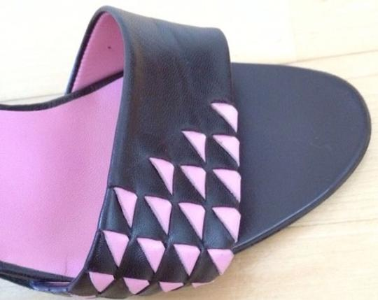 Bottega Veneta Black and Pink Pumps