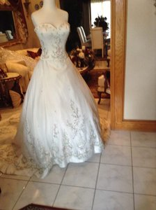 Winnie Couture Ivory Multi Organza Embroidery Formal Wedding Dress Size 8 (M)