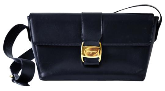 Preload https://img-static.tradesy.com/item/1349097/salvatore-ferragamo-vintage-vara-ribbon-purse-218248-dark-navy-blue-italian-leather-shoulder-bag-0-0-540-540.jpg