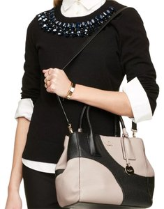 Kate Spade Satchel in Black/Pumice