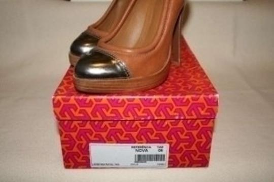 Tory Burch camel/metallic Pumps