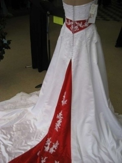 Alfred Angelo Ivory/Claret Red Empire Waistband and Back Train Insert Satin #1708 Wedding Dress Size 8 (M)
