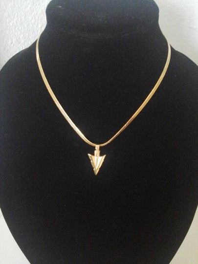 Preload https://img-static.tradesy.com/item/1349288/gold-arrowhead-pendant-with-matching-flat-snake-chain-necklace-0-0-540-540.jpg