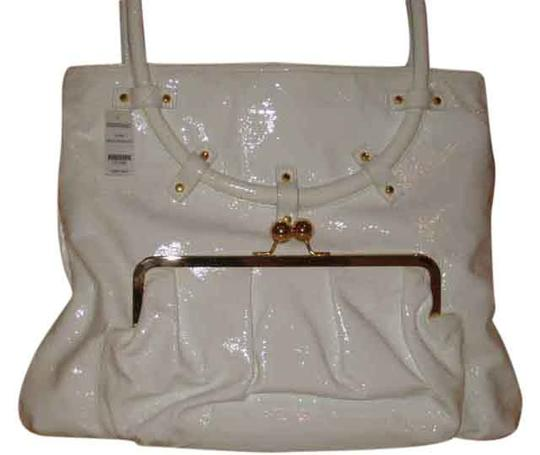 Preload https://item2.tradesy.com/images/goldenbleu-luella-in-white-patent-leather-tote-1349336-0-0.jpg?width=440&height=440