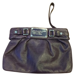 Marc by Marc Jacobs Wristlet in Purple