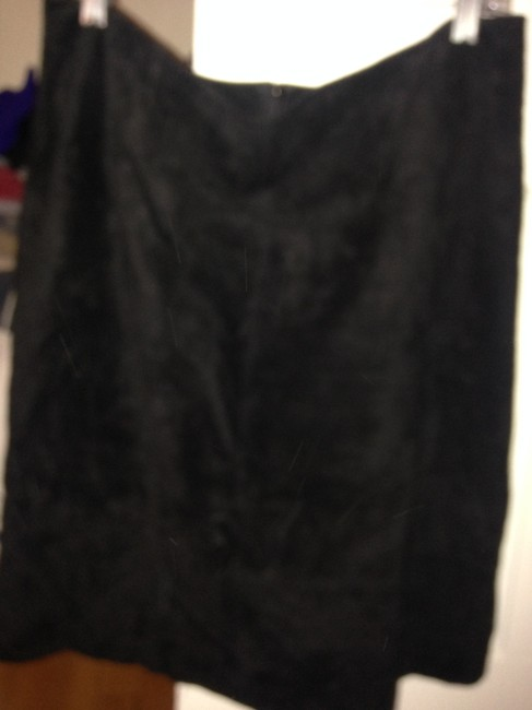 Lord & Taylor Black Suede Skirt Size 12 (L, 32, 33) Lord & Taylor Black Suede Skirt Size 12 (L, 32, 33) Image 1