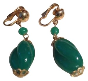 VINTAGE EARRINGS - CLIP ON JADE