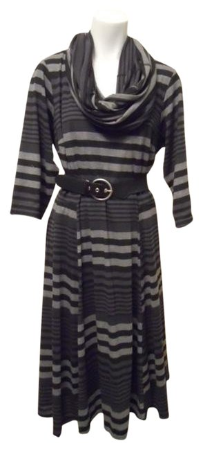 Item - Black & Grey 3/4 Sleeve Knit Mid-length Work/Office Dress Size 16 (XL, Plus 0x)