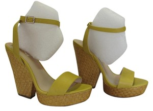 Xhilaration New Size 6.00 M (usa) Excellent Condition Yellow, Neutral, Platforms