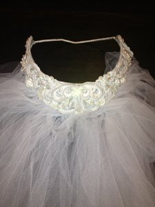 White Medium Bridal Veil