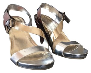 Kenneth Cole Reaction Metallic Wedges