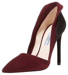 Prada burgundy/black Pumps