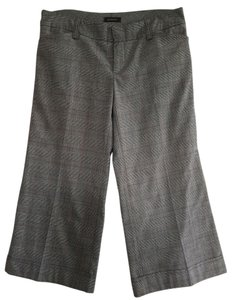 Gadzooks Capris Gray plaid
