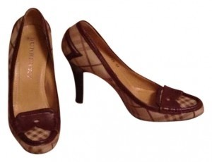 Burberry Brown leather trim with BURBERRY Plaid print Pumps