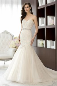 Essence Of Australia D1431 Wedding Dress