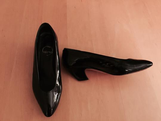 Paloma black patent Pumps