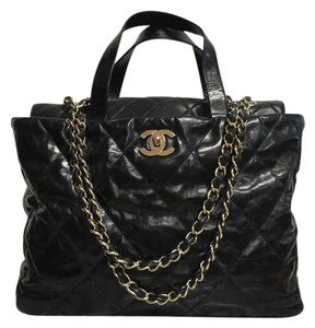 Chanel Leather Quilted Lambskin Gold Shoulder Bag