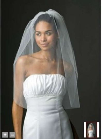 David's Bridal White Short One Tier Blusher Bridal Veil