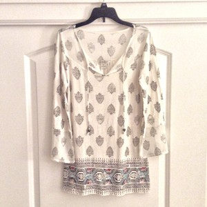 Lucky Brand Top Cream colored with Aztec/Bo-Ho Design