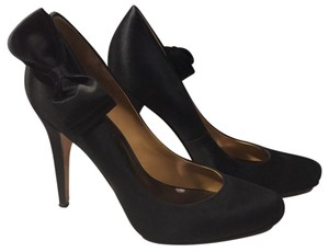 Badgley Mischka Black Pumps
