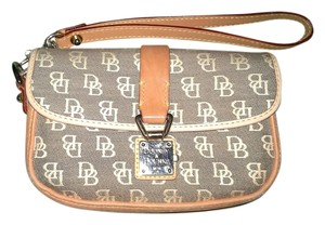 Dooney & Bourke Wristlet in Signature Brown