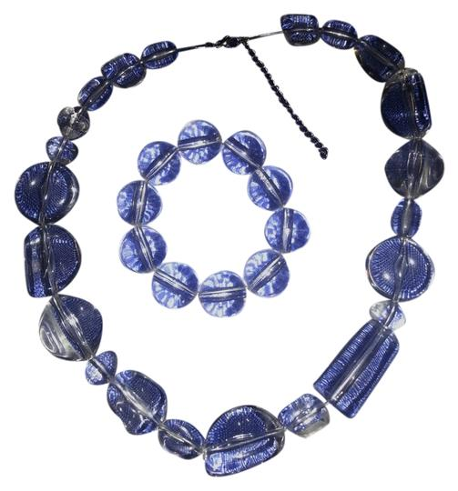 Preload https://item3.tradesy.com/images/clear-acrylic-bracelet-necklace-1352572-0-0.jpg?width=440&height=440
